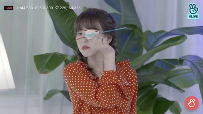Pháo hoa bắn vào mắt, Wendy (Red Velvet) bị thương ngay thời điểm nhóm tái xuất-2