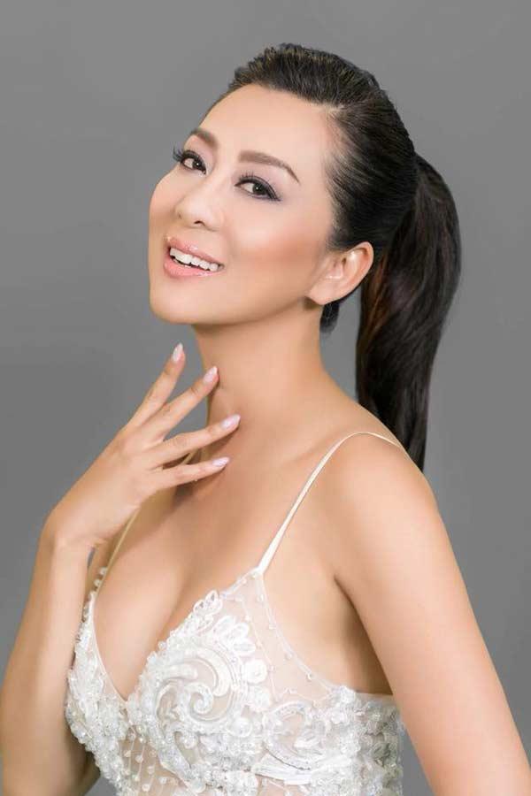 Sự thật đằng sau vẻ đẹp U50 của nữ MC hot nhất hải ngoại?-4