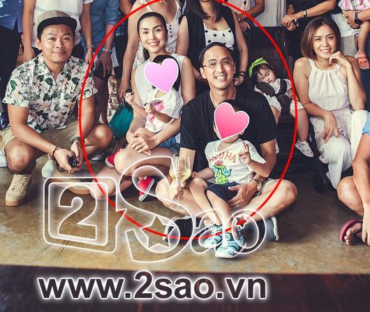 Tiểu công chúa nhà Tăng Thanh Hà lần đầu lộ diện cùng ba mẹ và anh trai-2