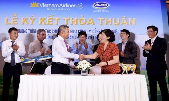 Thơm ngon thức uống Vinamilk trên chuyến bay Vietnam Airlines-3