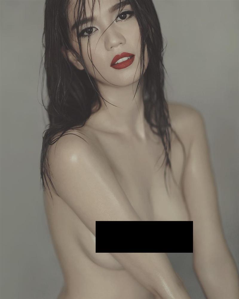 Ngọc Trinh đốt cháy mạng xã hội khi chia sẻ chùm ảnh khỏa thân chụp cách đây 4 năm-10