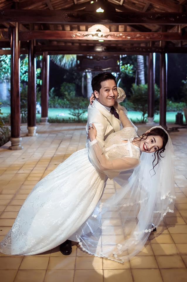 Chỉ vì đám cưới của Nhã Phương và Trường Giang mà showbiz Việt không ít lần nháo nhào như vỡ trận-10