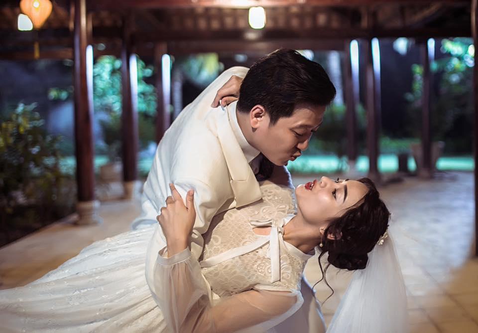 Chỉ vì đám cưới của Nhã Phương và Trường Giang mà showbiz Việt không ít lần nháo nhào như vỡ trận-11