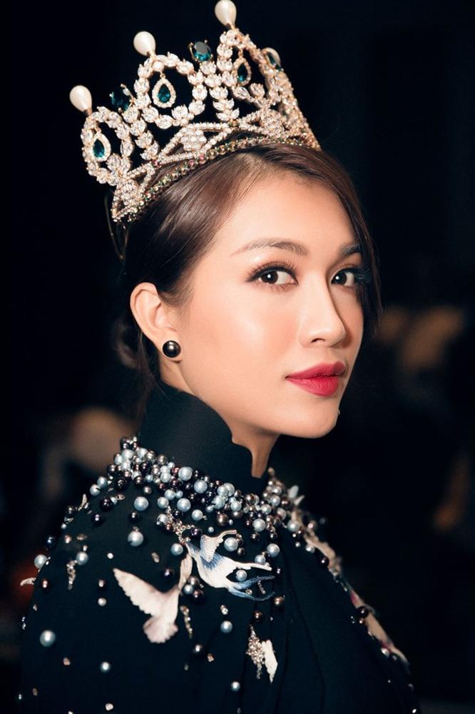 Gia nhập câu lạc bộ kiều nữ đội vương miện, Hồ Ngọc Hà lấn át chị em showbiz với vẻ đẹp quên sầu-15
