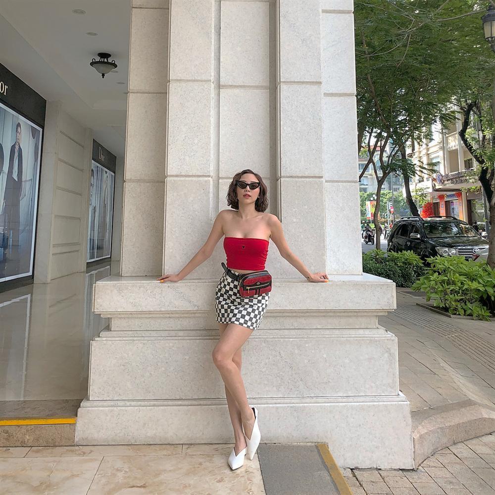 Vừa trendy vừa phô diễn được body không chút mỡ thừa, outfit của Tóc Tiên đẹp nhất street style tuần qua-7