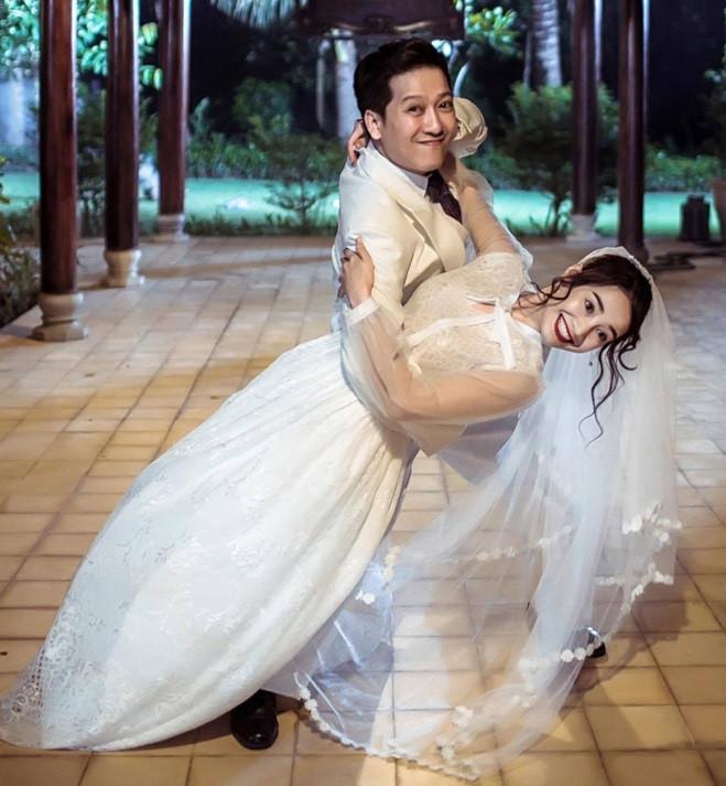 Kết hôn phải chăng là cái kết vẹn cả đôi đường cho Trường Giang - Nhã Phương nếu muốn tránh đêm dài lắm mộng?-1