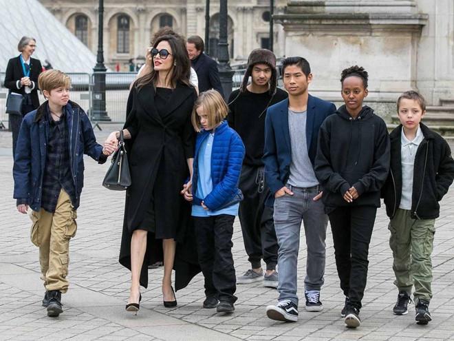 Jolie và Pitt: Vụ ly hôn mệt mỏi và góc khuất xấu xí của cuộc tình đẹp-2