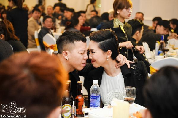 HOT: Lộ ảnh Hoàng Touliver quỳ gối cầu hôn Tóc Tiên-3