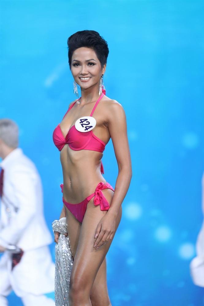 Thân hình siêu nóng bỏng của HHen Niê đang vượt mặt nhiều đối thủ đình đám tại Miss Universe 2018-2