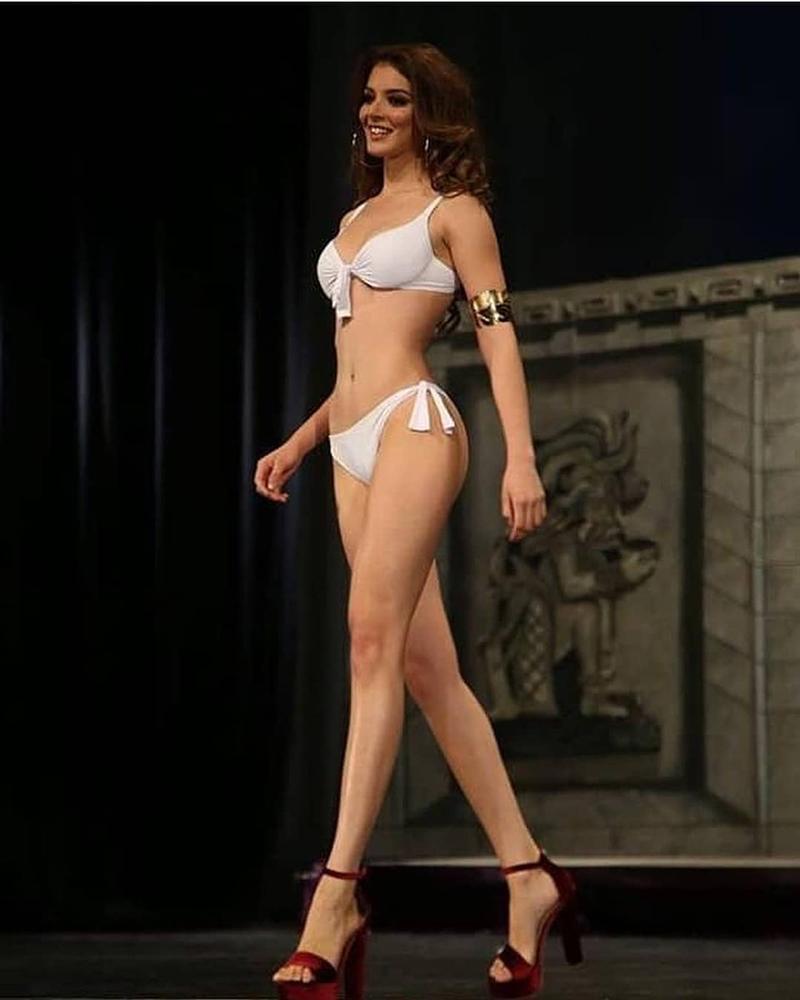 Thân hình siêu nóng bỏng của HHen Niê đang vượt mặt nhiều đối thủ đình đám tại Miss Universe 2018-18