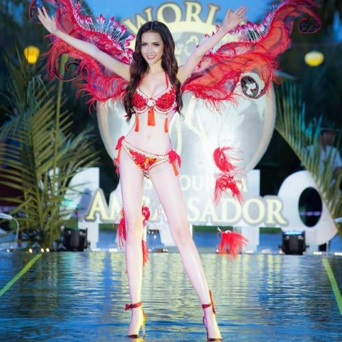 Phan Thị Mơ đăng quang Hoa hậu Đại sứ Du lịch Thế giới 2018-2