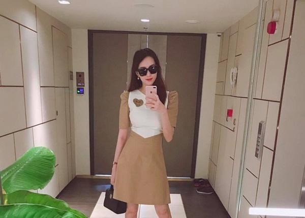 Hoa hậu Đặng Thu Thảo sắm xe đẩy trị giá 40 triệu đồng cho con gái đầu lòng-4
