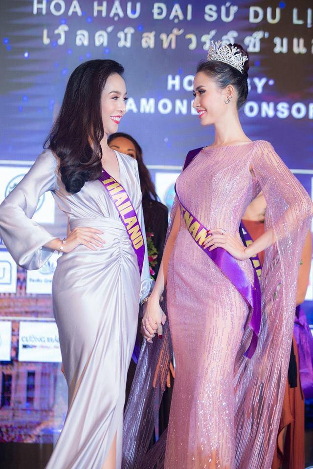 Những chiếc váy giúp Phan Thị Mơ tỏa sáng và đăng quang Hoa hậu Đại sứ Du lịch Thế giới 2018 - ảnh 3