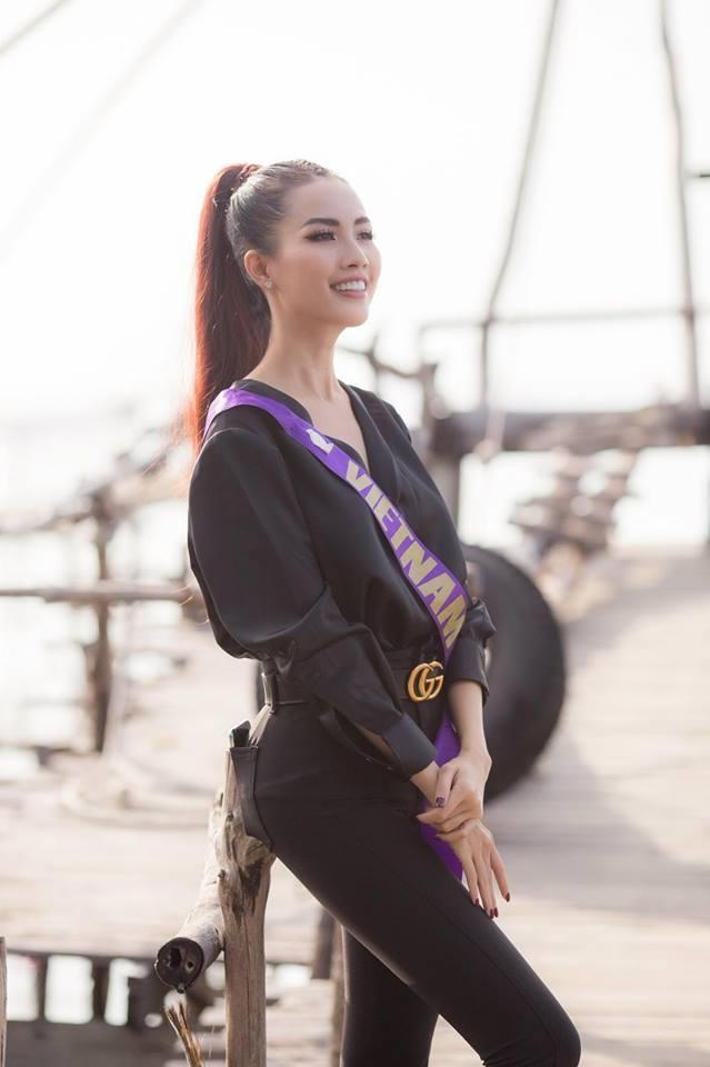 Những chiếc váy giúp Phan Thị Mơ tỏa sáng và đăng quang Hoa hậu Đại sứ Du lịch Thế giới 2018 - ảnh 11