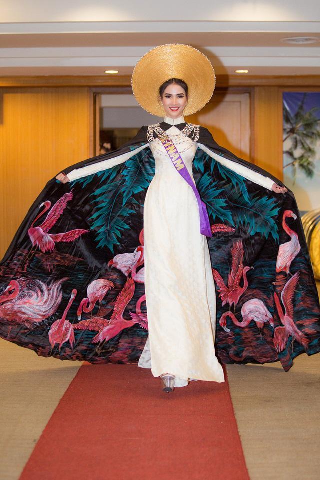 Những chiếc váy giúp Phan Thị Mơ tỏa sáng và đăng quang Hoa hậu Đại sứ Du lịch Thế giới 2018 - ảnh 7