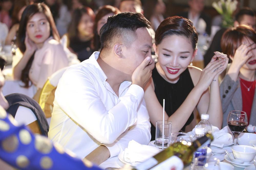 Tóc Tiên - Hoàng Touliver cùng lúc lên tiếng phủ nhận thông tin cầu hôn và sắp làm đám cưới-4