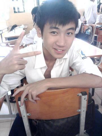 BB Trần mặc váy hai dây ngủ vạ vật ở hậu trường quay phim-3