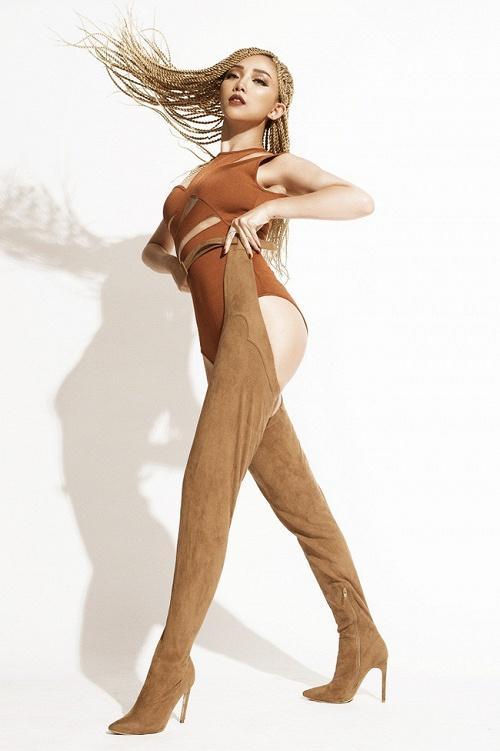 Tóc Tiên xứng danh chúa tể những đôi thigh-high boots độc - dị-3