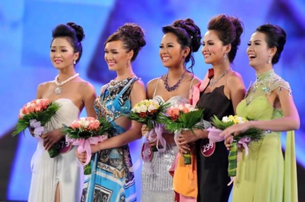 ÍT AI BIẾT: Tân Hoa hậu Đại sứ Du lịch Thế giới Phan Thị Mơ từng bị Đặng Thu Thảo và Diễm Hương hạ đo ván-5