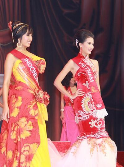 ÍT AI BIẾT: Tân Hoa hậu Đại sứ Du lịch Thế giới Phan Thị Mơ từng bị Đặng Thu Thảo và Diễm Hương hạ đo ván-9