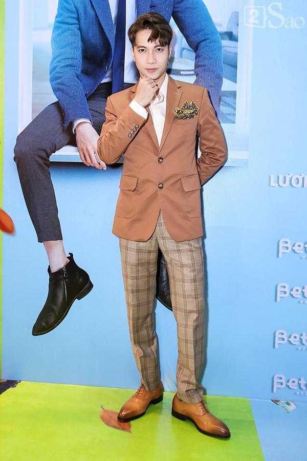 Hết bồng bế lại đến hôn tay, lẽ nào S.T và Jang Mi đã thực sự là một cặp phim giả tình thật-2