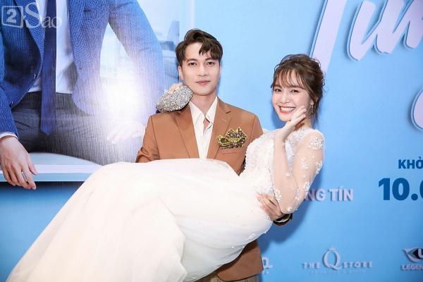 Hết bồng bế lại đến hôn tay, lẽ nào S.T và Jang Mi đã thực sự là một cặp phim giả tình thật-4