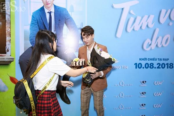 Hết bồng bế lại đến hôn tay, lẽ nào S.T và Jang Mi đã thực sự là một cặp phim giả tình thật-10