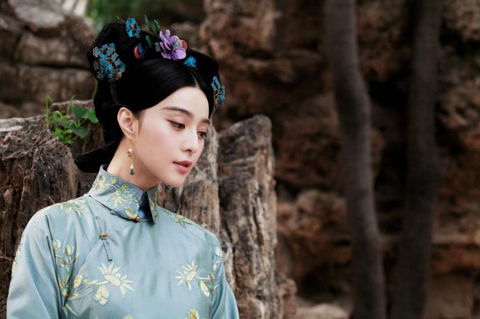 Phạm Băng Băng - Xa Thi Mạn - Châu Tấn: Ai mới là Kế Hoàng Hậu đẹp nhất trên màn ảnh?-4