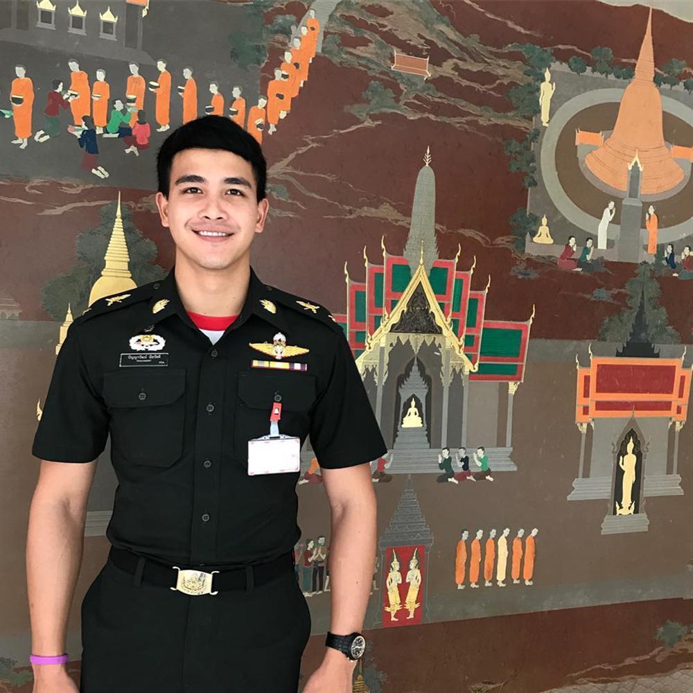 Chàng sĩ quan 9X đẹp trai được ví như đại uý Yoo phiên bản thực-3