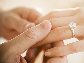 Phạm phải những điều 'đại kỵ' này khi đeo nhẫn cưới, vợ chồng lục đục, nghèo túng cả một kiếp