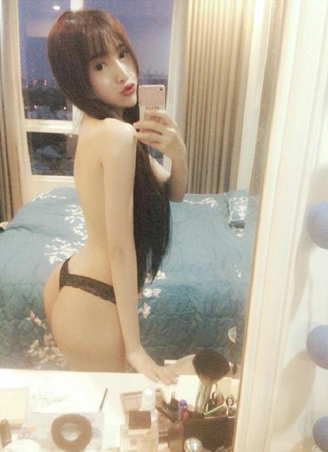 Những lần mặc bán nude nghẹt thở của Elly Trần, thánh nữ Mì Gõ - ảnh 4