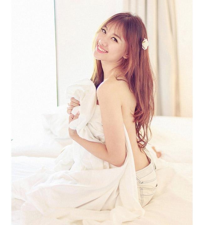 Những lần mặc bán nude nghẹt thở của Elly Trần, thánh nữ Mì Gõ - ảnh 15