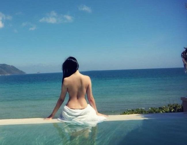 Những lần mặc bán nude nghẹt thở của Elly Trần, thánh nữ Mì Gõ - ảnh 17
