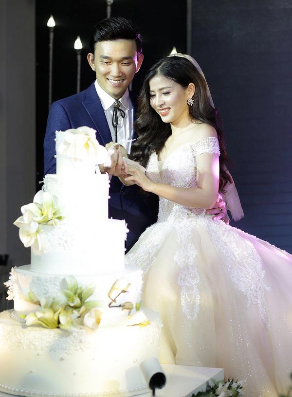 Đám cưới cặp đôi Đà Nẵng gây bão mạng khi cô dâu đọc chuẩn như rapper, chú rể hát hay như ca sĩ-1