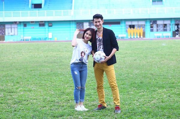 Có ai liều như Việt Hương và Hòa Minzy: Đã nấm lùn lại còn thích chụp hình cùng người khổng lồ-12
