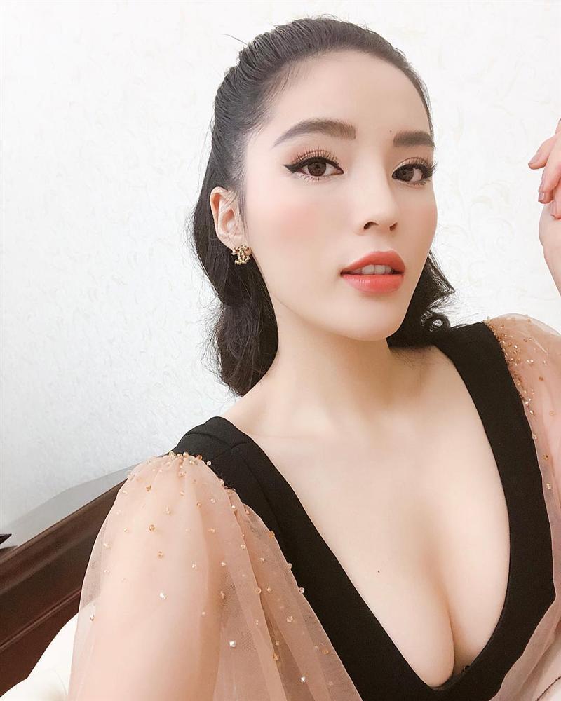 Kéo hứng lại, Hồ Ngọc Hà hào hứng khoe chạy 2 show/ngày-3
