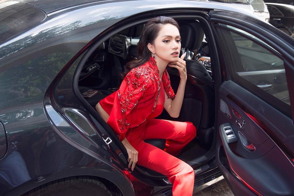 Hoa hậu Hương Giang chuộng đồ khoe eo 56cm có đẹp bằng Ngọc Trinh? - ảnh 2
