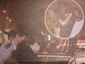 Ảnh Phạm Băng Băng bị đưa lên xe cảnh sát gây xôn xao mạng Trung Quốc