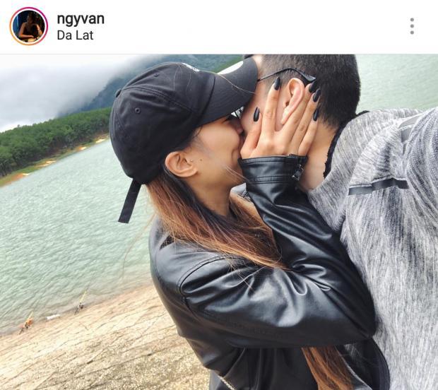 Huỳnh Anh khóa môi bạn gái trong chuyến phượt Đà Lạt bằng mô tô-1