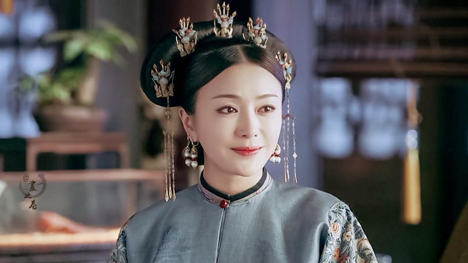 Vỡ mộng với nhan sắc thật sự không photoshop của Phú Sát hoàng hậu Tần Lam-6
