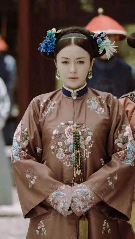 Vỡ mộng với nhan sắc thật sự không photoshop của Phú Sát hoàng hậu Tần Lam-7