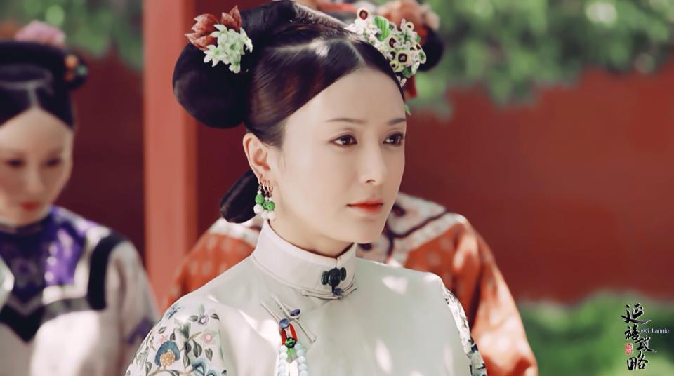 Vỡ mộng với nhan sắc thật sự không photoshop của Phú Sát hoàng hậu Tần Lam-8