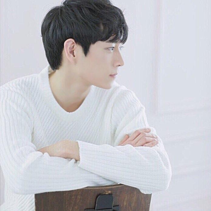Mỹ nam 9x xứ Hàn sở hữu gương mặt đẹp tựa thánh sống Kang Dong Won-3