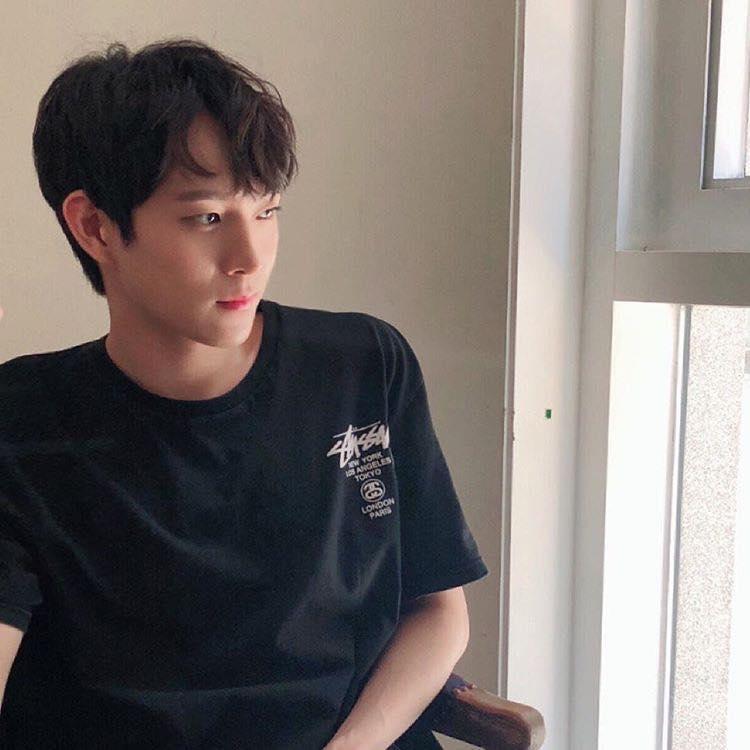 Mỹ nam 9x xứ Hàn sở hữu gương mặt đẹp tựa thánh sống Kang Dong Won-4