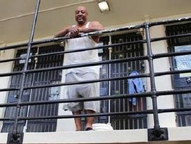 Dịch vụ lạ hút khách siêu giàu: Chi tiền triệu để được...ngồi tù