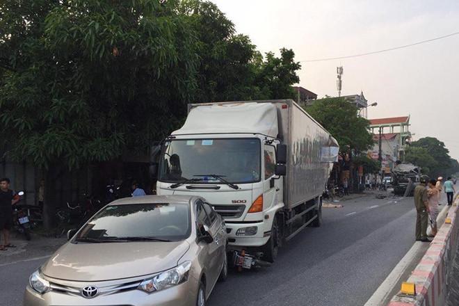 Tai nạn liên hoàn trên quốc lộ, 1 phụ nữ tử vong-1
