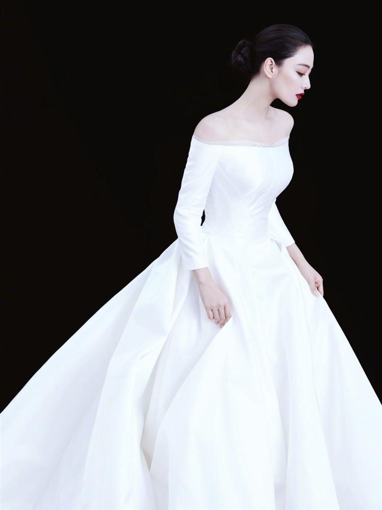 Trương Hinh Dư đẹp rạng ngời, khoe khéo nhẫn kim cương sau tin kết hôn-4