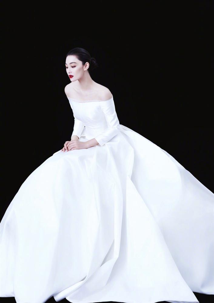 Trương Hinh Dư đẹp rạng ngời, khoe khéo nhẫn kim cương sau tin kết hôn-5