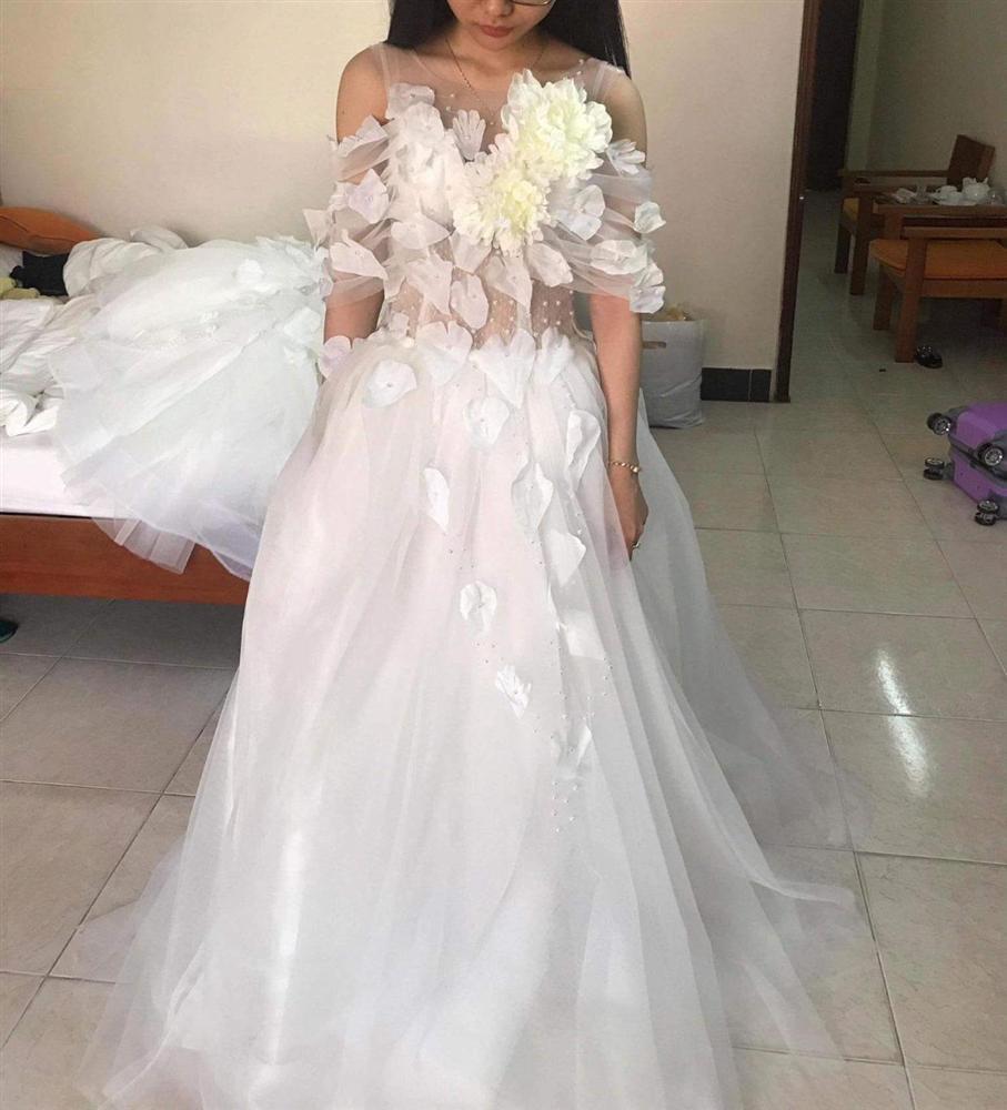 Đặt 2 bộ đầm sau khi xem livestream bán hàng online, thứ cô gái Đà Nẵng nhận về thật đáng sợ-5