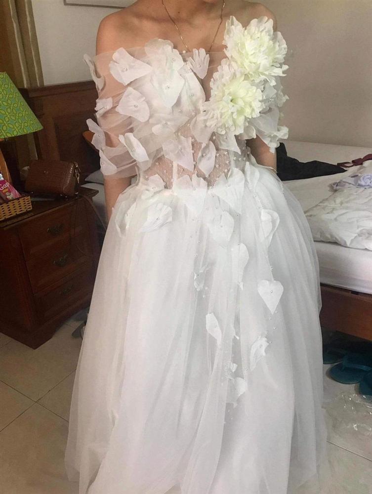 Đặt 2 bộ đầm sau khi xem livestream bán hàng online, thứ cô gái Đà Nẵng nhận về thật đáng sợ-6